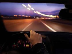 چگونه در شب رانندگی کنیم؟