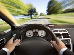 آشنایی با 10 عادت غلط هنگام رانندگی